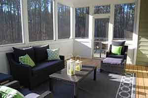 How to decorate a small sunroom